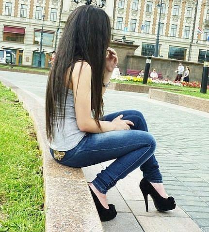 Картинка девушки со спины
