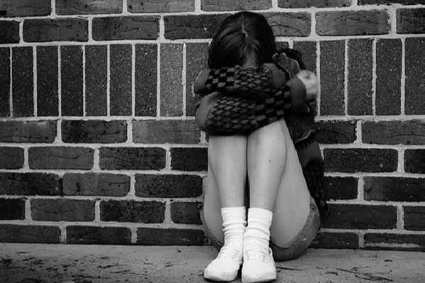 Скачать картинки плачущей девушки