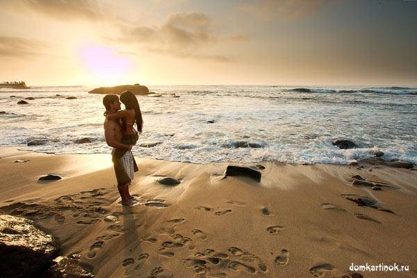 На диком пляже красивая картинка с