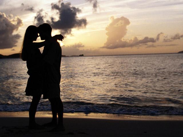 Она и он на пляже фото 85-409